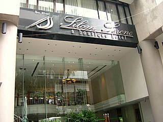 hotels-in-silom-serene