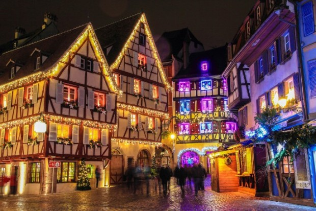 Christmas-time-in-Alsace-Strasbourg-France-iStock_81256119_XLARGE-2-686x457.jpg